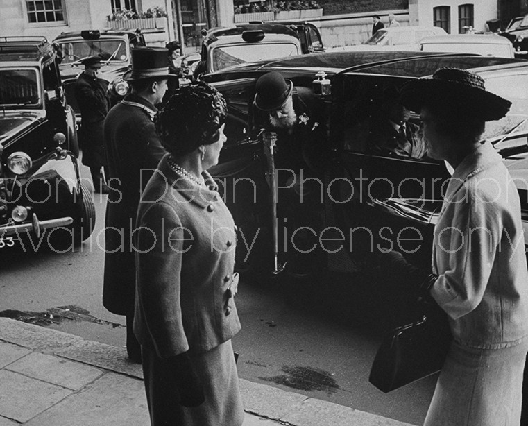 Millionaire author Nubar Gulbenkian (C) arriving to have lunch at the Dorchester Hotel.