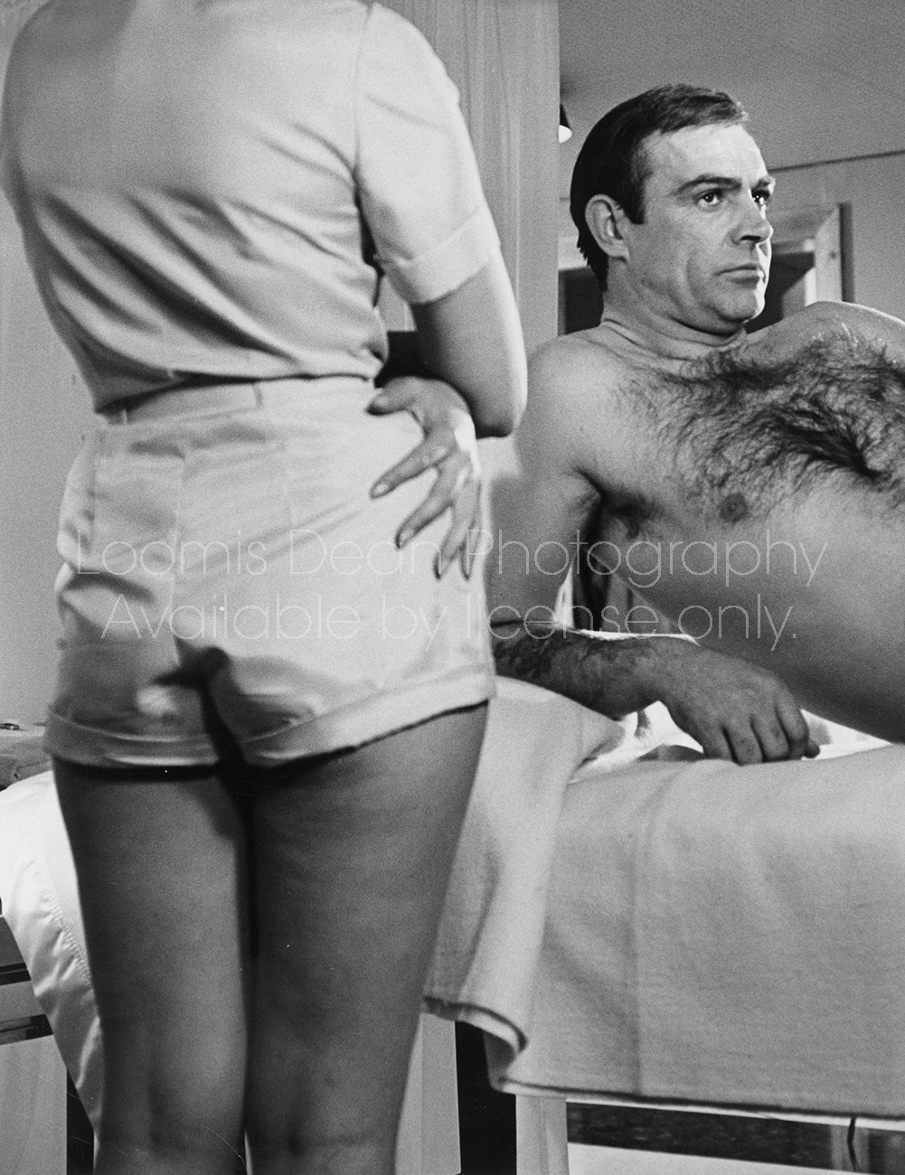 ACTOR SEAN CONNERY IN SCENE FROM THUNDERBALL 001