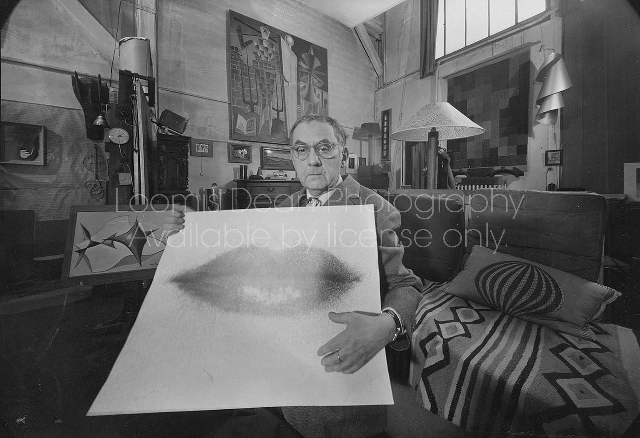 ARTIST MAN RAY IN D'ARTAGNON'S APT ST 390