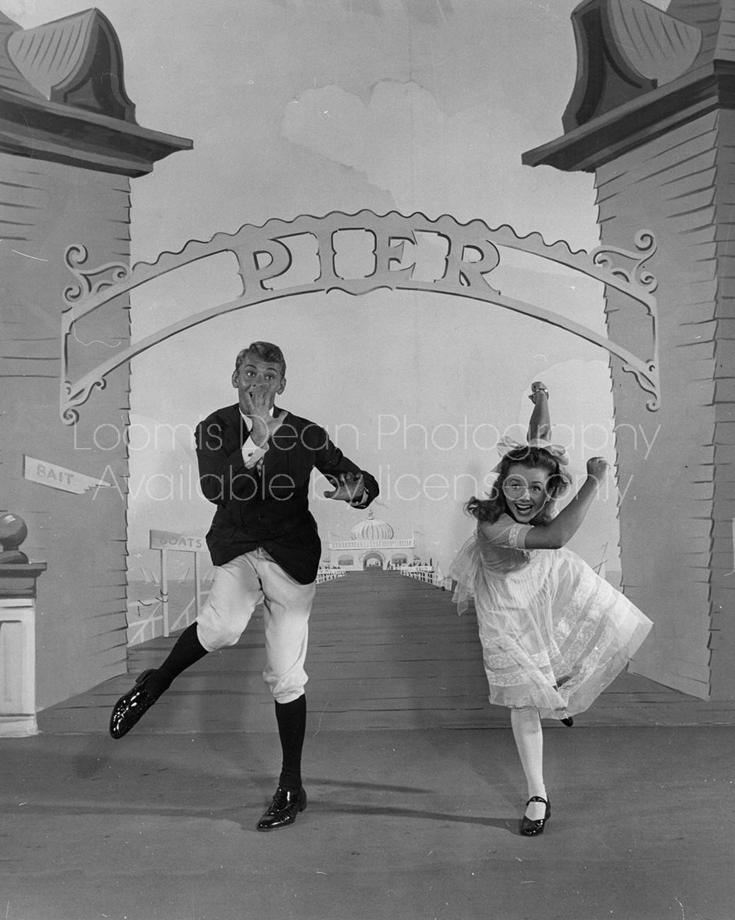 DEBBIE REYNOLDS DANCING