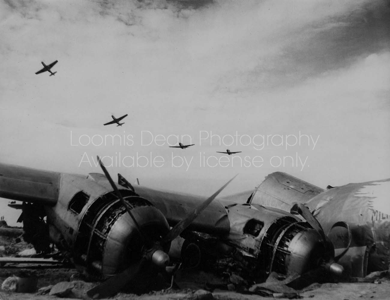 U.S. AIR FORCE WWII P51s RETURNING TO IWO S 165