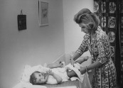 Spainish Duchess of Alba changing diapers of her youngest son.
