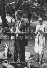 Novelist and author Mary McCarthy (R) hosting a picnic attended by poet Robert Lowell and others.