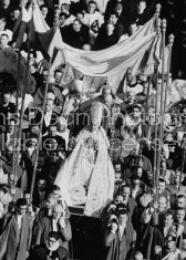Pope John XXIII, being carried from opening ceremonies in Rome of 2nd Vatican Council.