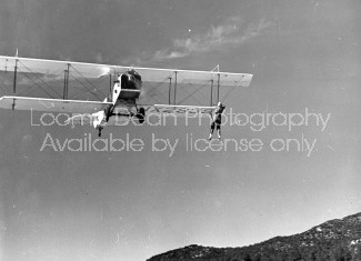 BIPLANE MID AIR STUNTS S C455