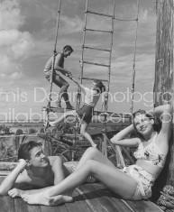 U.S. MILITARY WWII R&R IN HAWAII