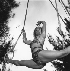 RINGLING CIRCUS LALAGE TRAPEZE PRACTICE 172
