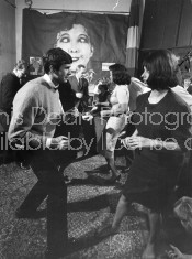 ACTRESS SOPHIA LOREN DANCING S ADD TO DIGITAL